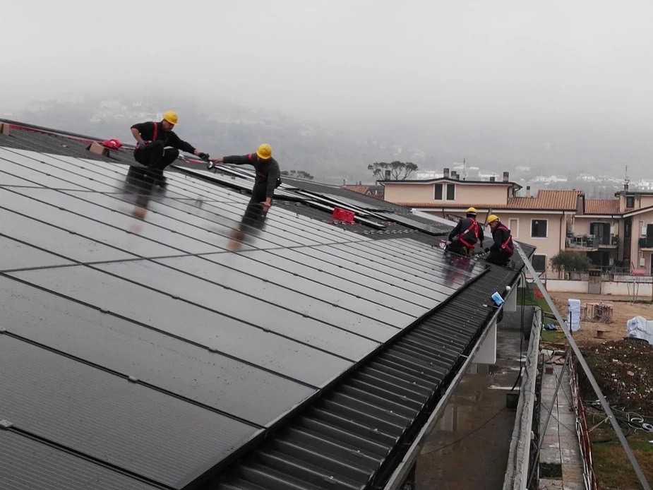 You are currently viewing 100kWp tanto per gradire